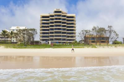 Pelican Sands Beach Resort - Accommodation Sunshine Coast