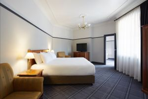 Brassey Hotel - Accommodation Sunshine Coast