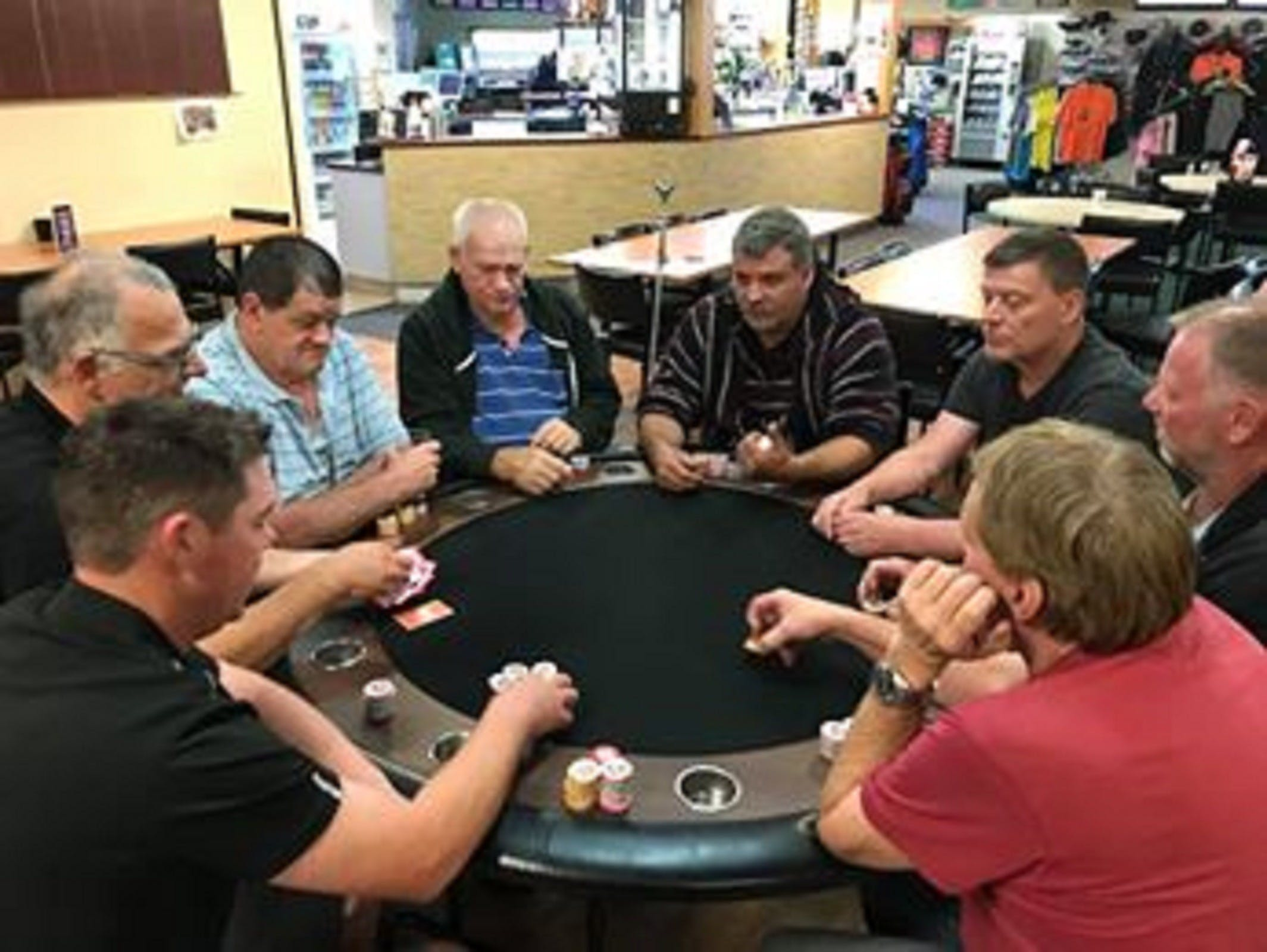 Numurkah Golf and Bowls Club - Poker Wednesday - Accommodation Sunshine Coast