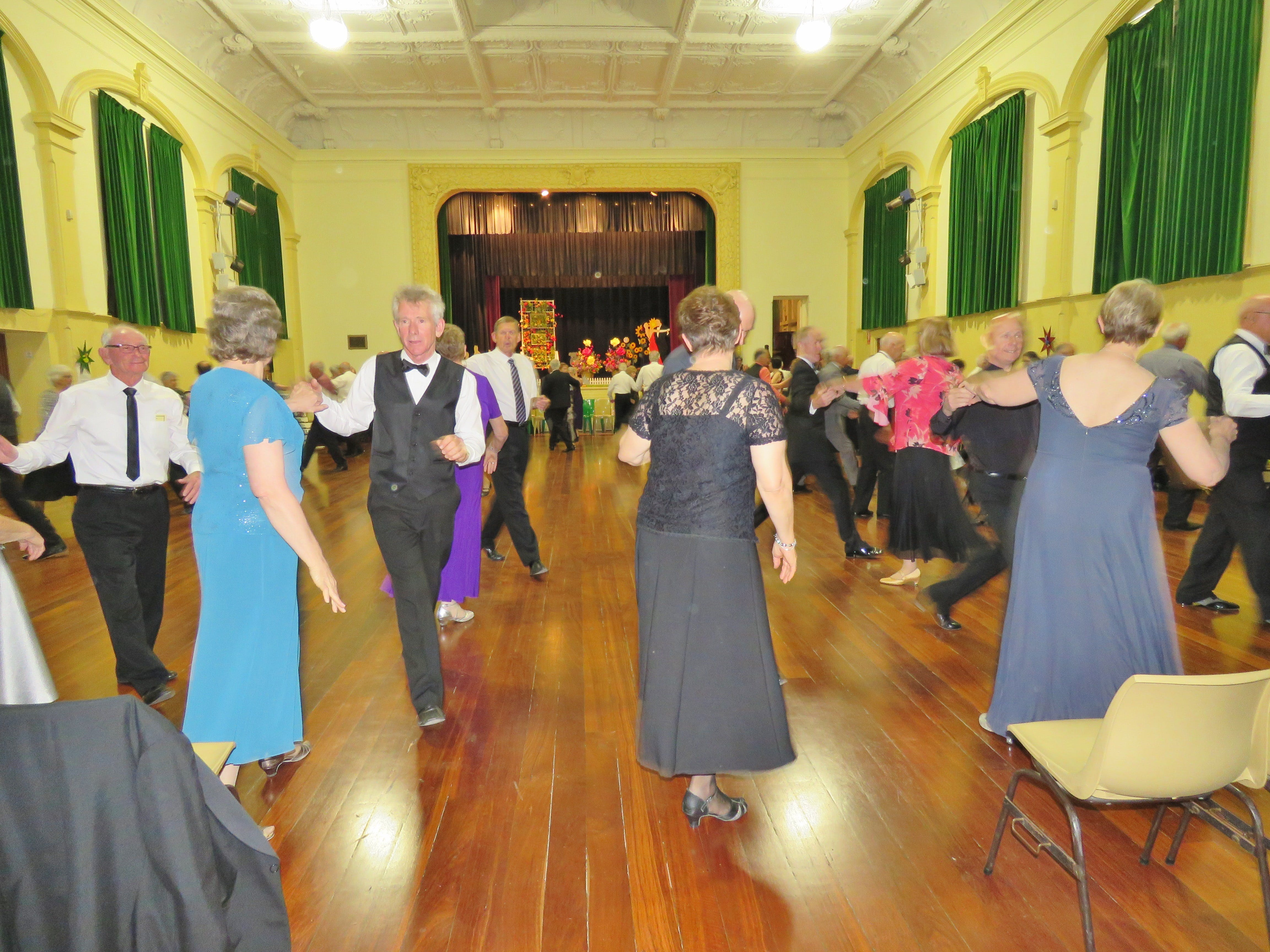 Old Style/New Vogue Dance Wallaroo - Accommodation Sunshine Coast
