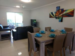 Oasis Private 2 Bed Apartment Golden Beach