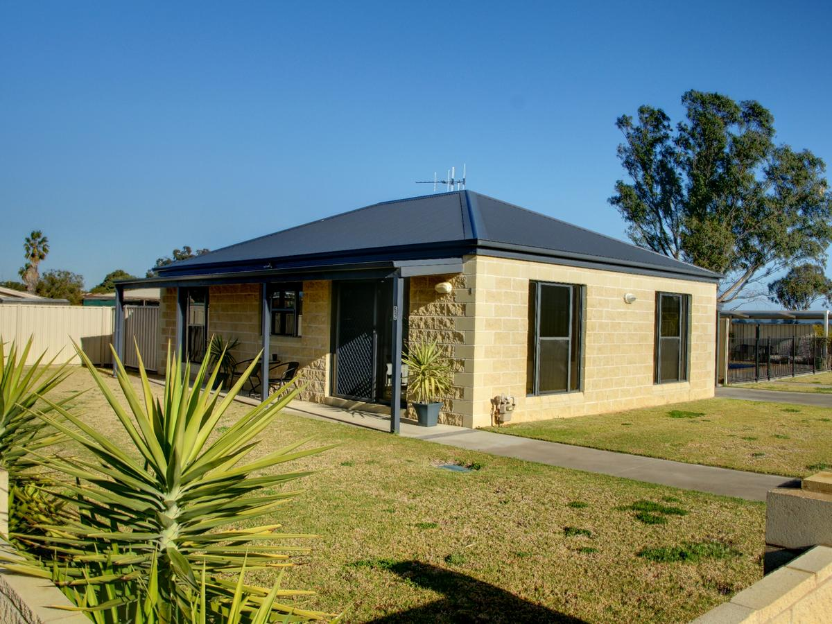 DBJ Holiday Units - Accommodation Sunshine Coast
