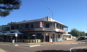 Pier Hotel - Accommodation Sunshine Coast