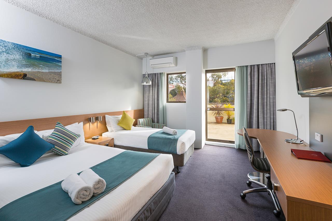 Metro Hotel Miranda - Accommodation Sunshine Coast