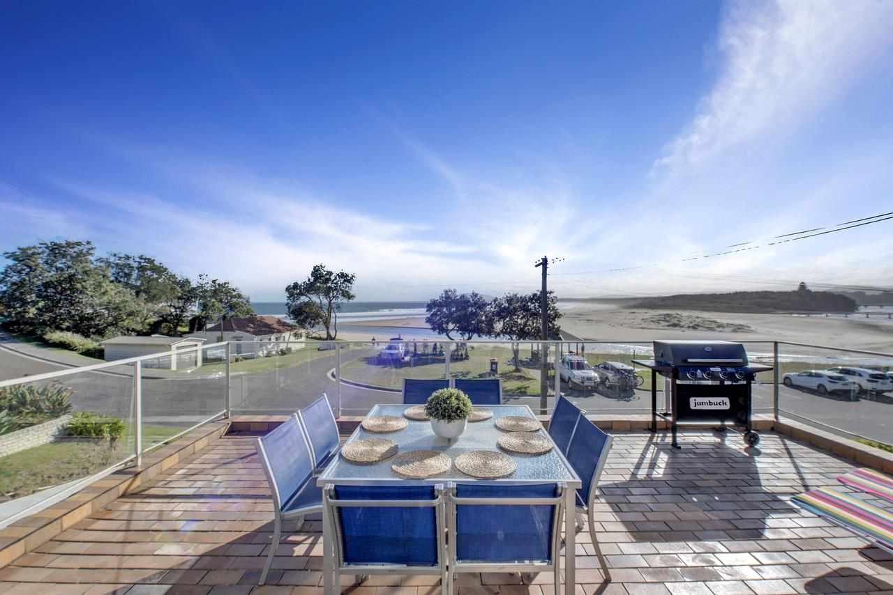 The Rotunda  Gerroa - Pet Friendly Beachfront - Accommodation Sunshine Coast