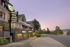 Banjo Paterson Inn - Accommodation Sunshine Coast
