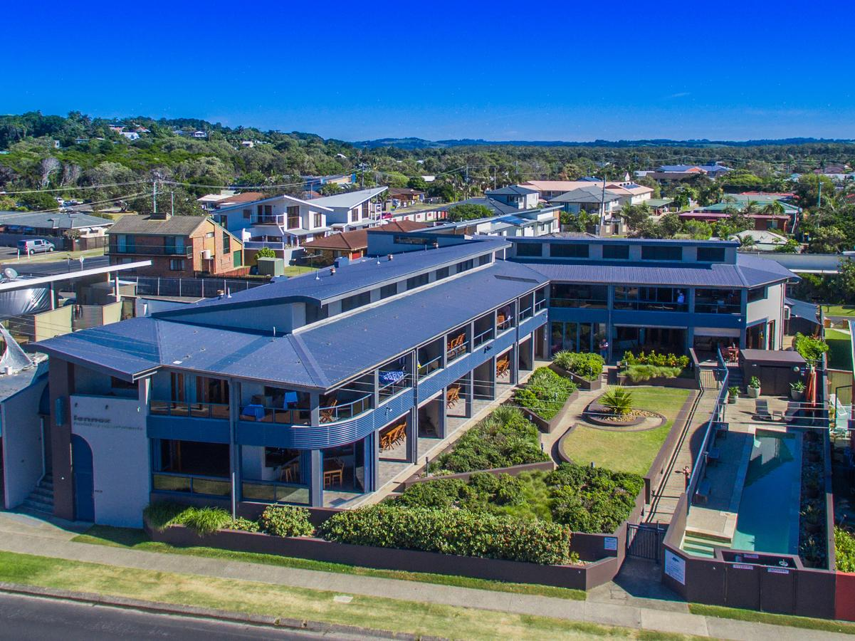 Lennox Holiday Apartments - Accommodation Sunshine Coast